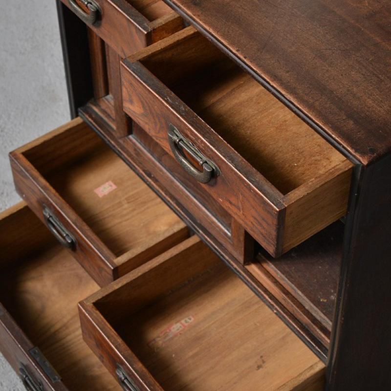 茶棚・箪笥など古い家具